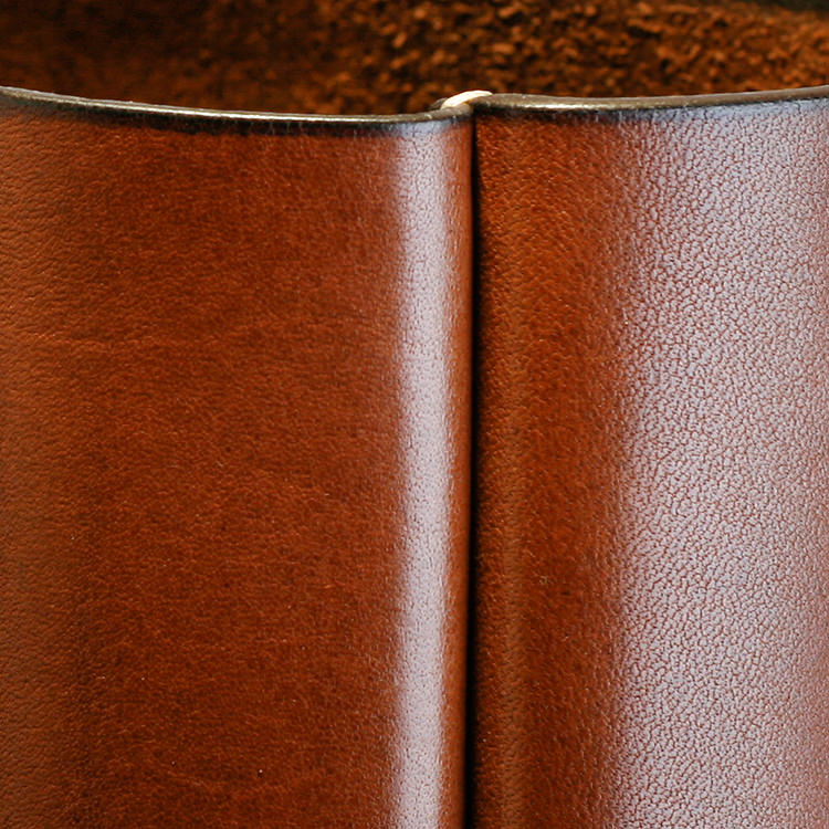 paterson_salisbury_medium_tote_bag_leather_detail_2_jm.jpg