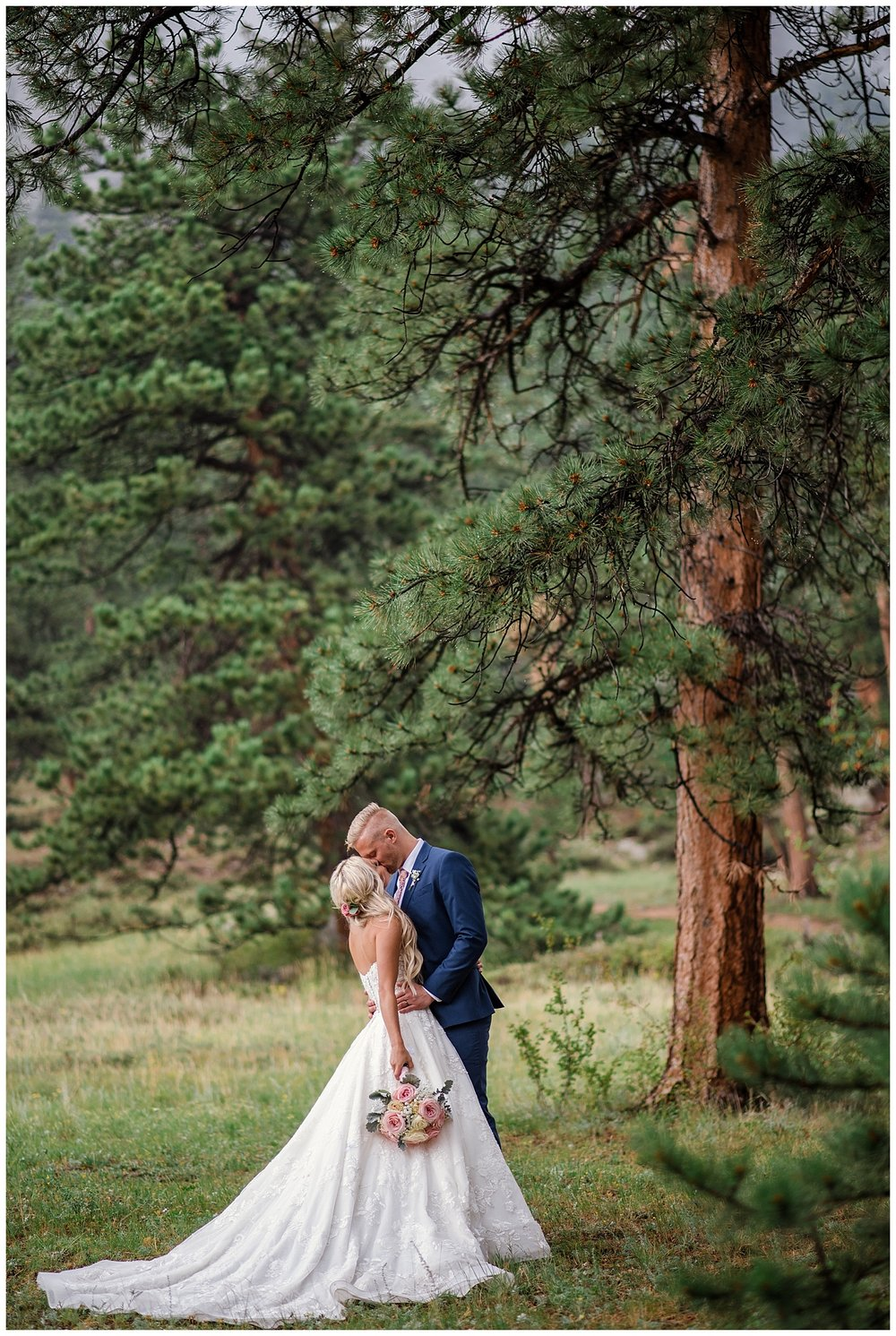wedding reception in estes, Della Terra Mountain Chateau wedding, Estes park wedding, estes park wedding photographer, Colorado wedding photographer, rocky mountain wedding photographer, intimate colorado wedding photographer, small wedding photographer colorado,