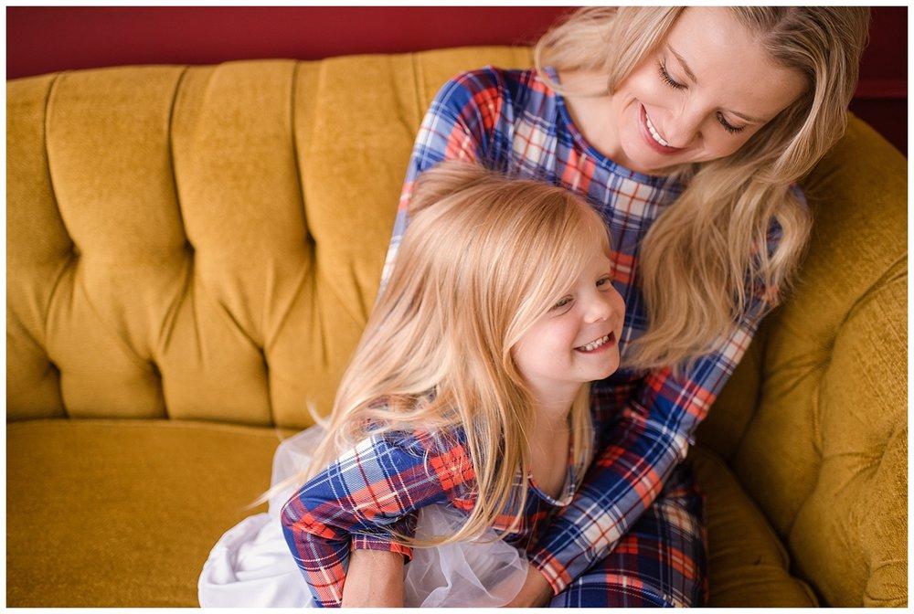 denver family photographer, family photography in denver, colorado family photographer, holiday mini session denver, mini session denver, family photo poses