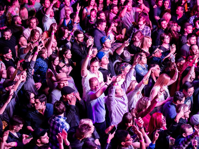The crowd goes wild for Chromeo at Livewire 2/5/16.