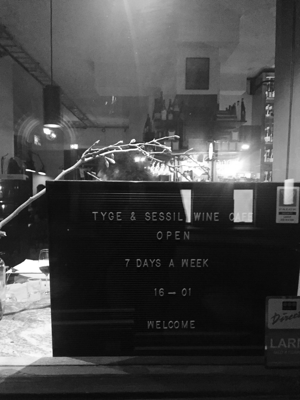 Tygge and Sessil wine bar.