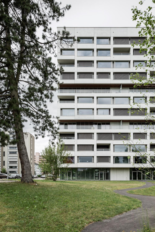 Boltshauser_Architekten_Hirzenbach_ZH_006.jpg
