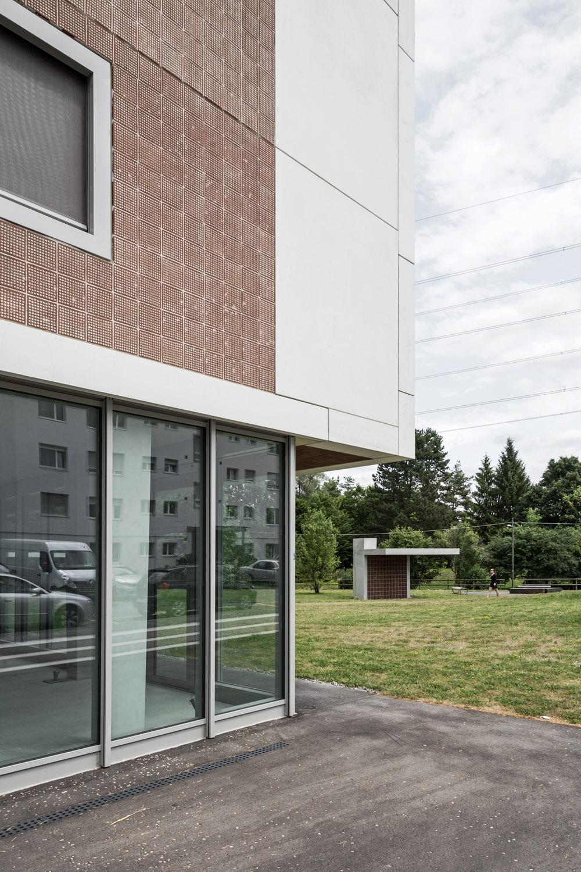 Boltshauser_Architekten_Hirzenbach_ZH_007.jpg