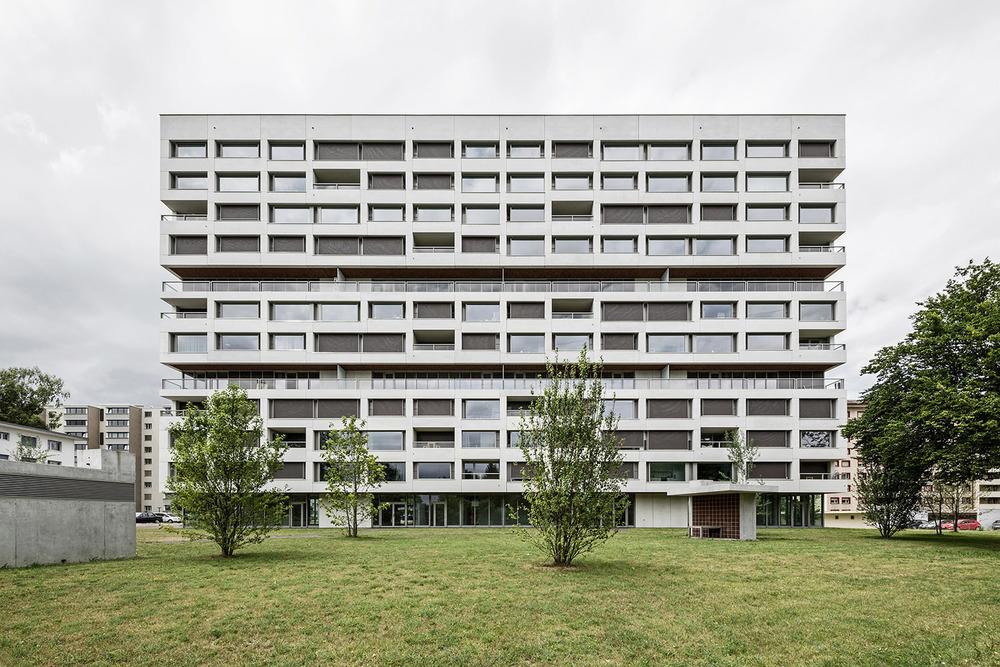 Boltshauser_Architekten_Hirzenbach_ZH_001.jpg