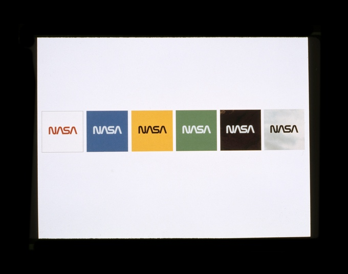 Danne & Blackburn 最初的設計提案,圖片出處:https://www.kickstarter.com/projects/thestandardsmanual/reissue-of-the-1975-nasa-graphics-standards-manual/description