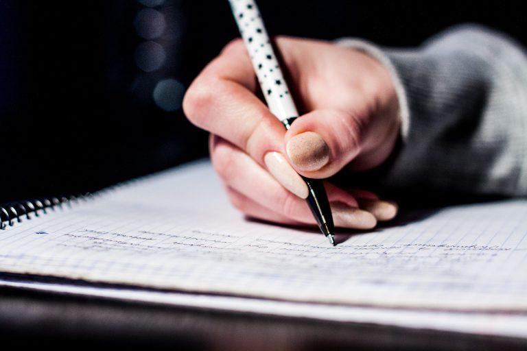 寫作的重點之一就是讓讀者想繼續往下看。