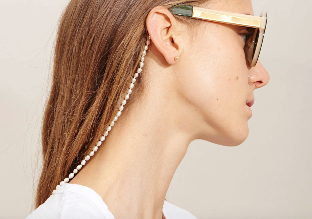 @lucy_folk pearl eyewear chain - obsessed!