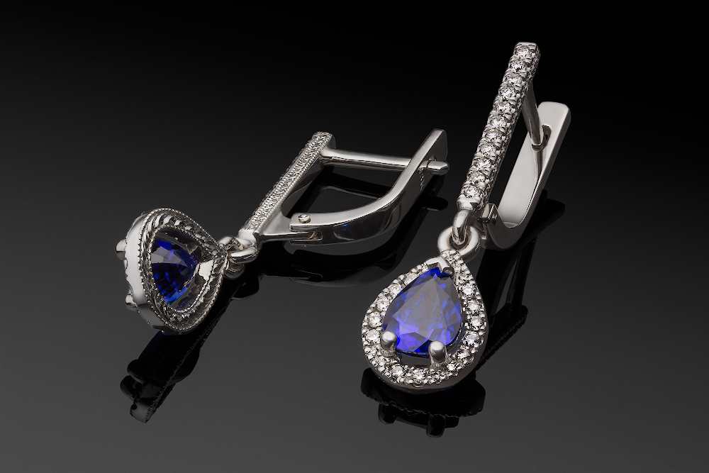 White Gold Sapphire Diamonds Earrings