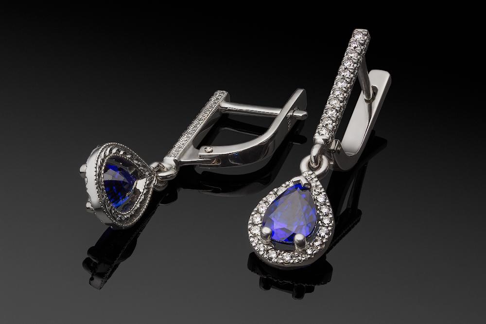 White Gold Sapphire Diamonds Earrings
