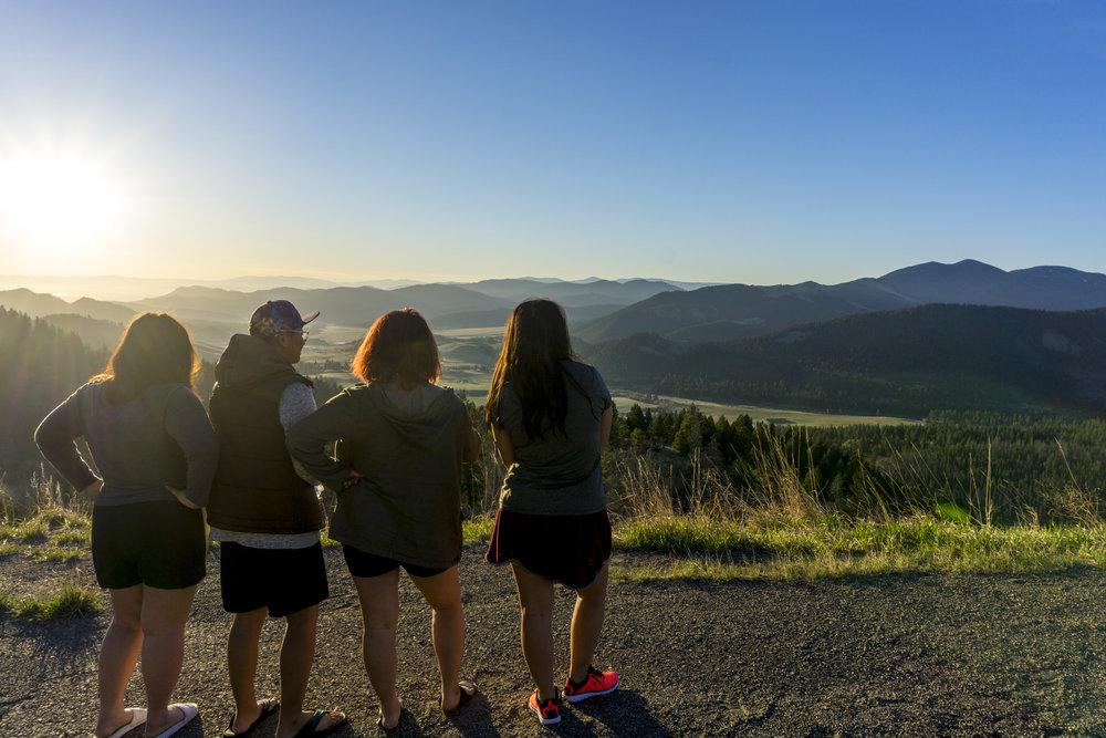 An Unexpected 4 Day Road trip to Montana. The Vang Family. Livia Vang. Polson, Montana. Flathead Lake, Lake Mcdonald, Glacier National Park. yellowStone National Park, Traveling Sisters and Brothers. Siblings.