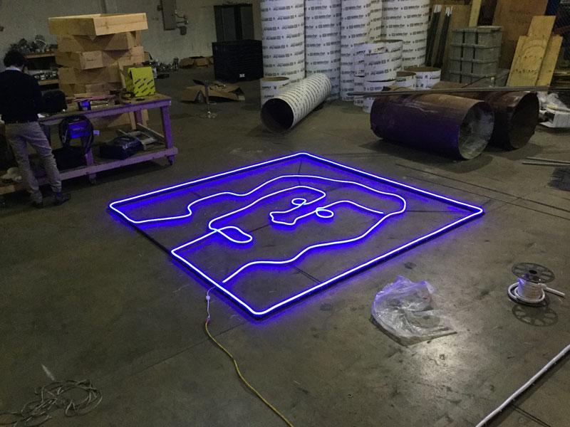 Glow-MakingOff-3.jpg