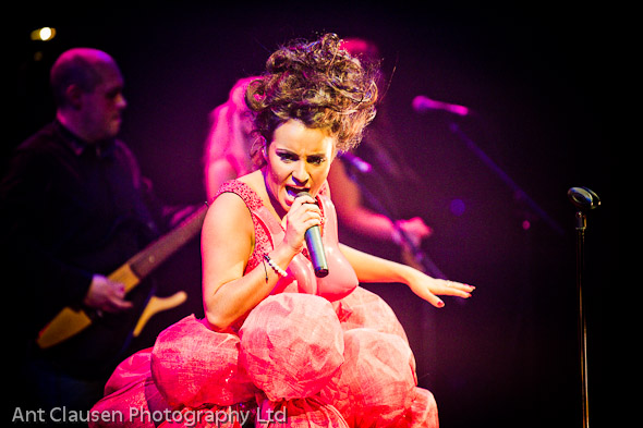 photos of laura white in her debut concert at the lowry theatre, manchester, photographer, pics, event, photography