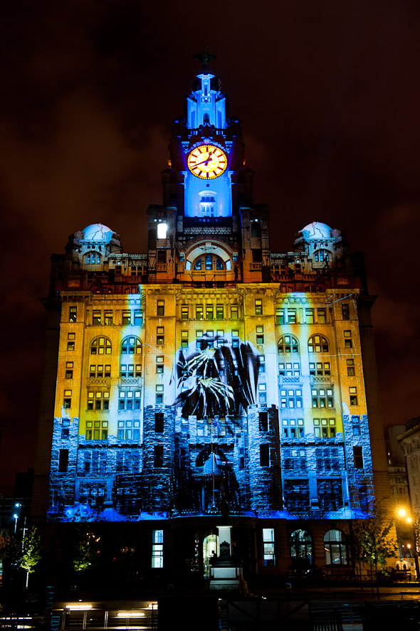 photos of macula spectacular, liver, building, on the waterfront, liverpool photography, pics, blog, festival, event, photography