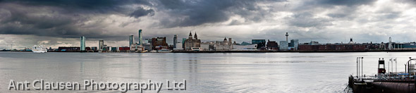 photo of aida blue cruise ship Liverpool mersey