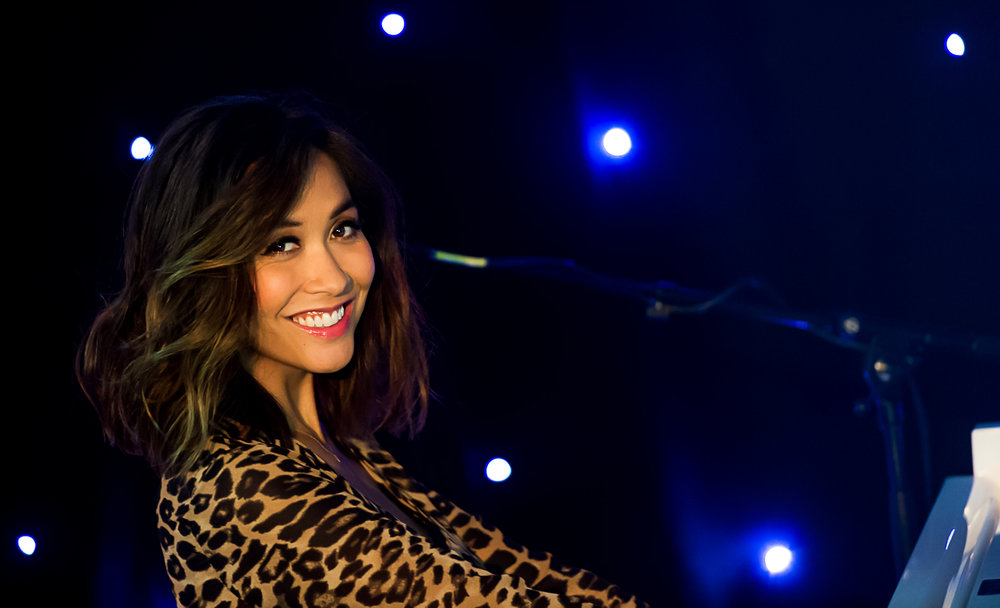 myleene klass plays piano in liverpool