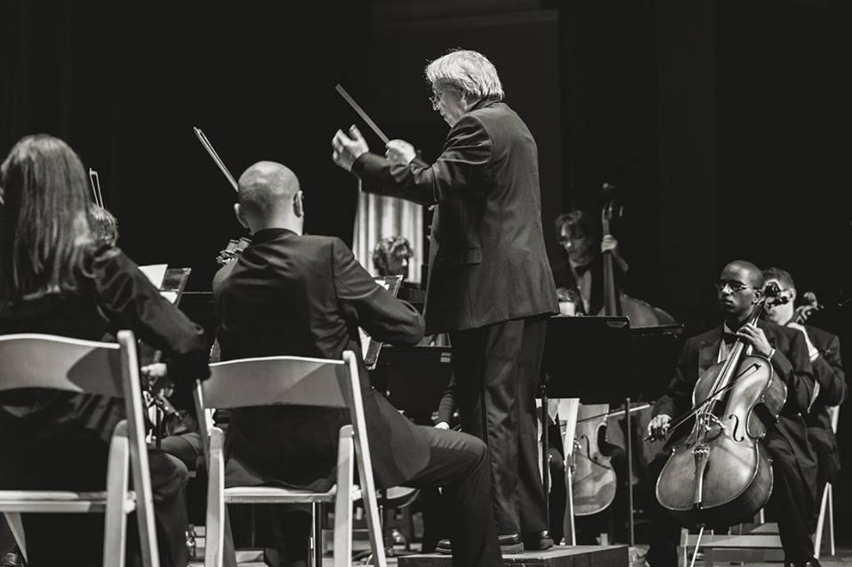 alan aurelia conducting.jpg