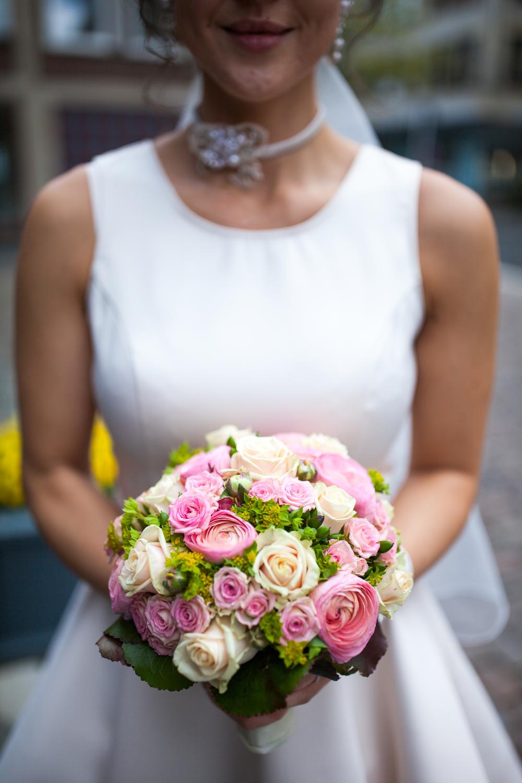 Farbenfroher Brautstrauß aus Kiel