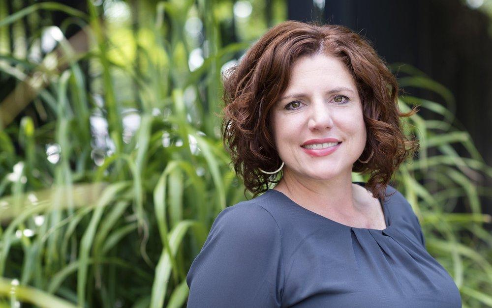 Laura Swindell