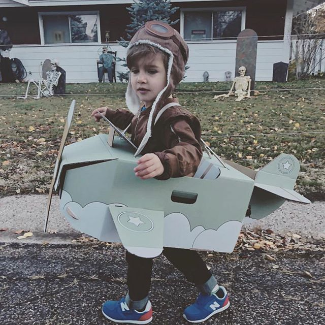 • let's fly • look at this cool pilot! Thanks for sharing this beautiful picture @afresquez 😍!!