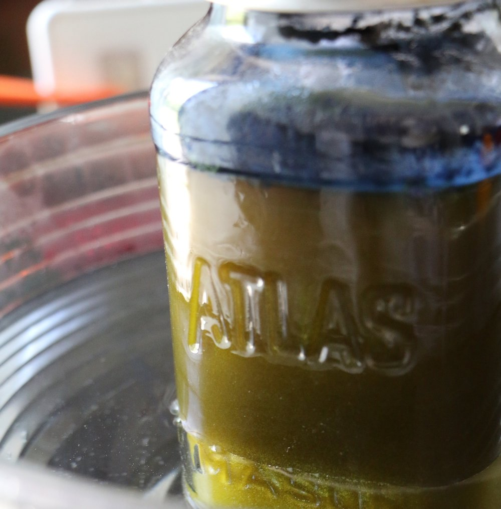 The Mixture First Appears Purple, Then Greenish as the Oxygen is Removed