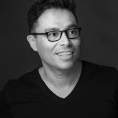 Andrès Norambuena , administrateur  PDG et associé, producteur exécutif, BLVD