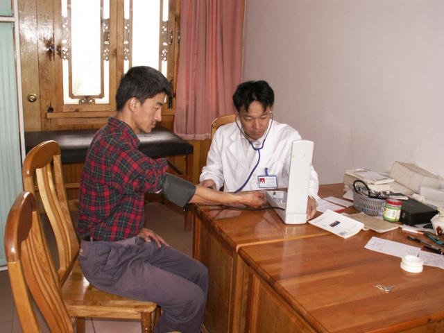 Doctor at clinic that received help with medical school education through SCF