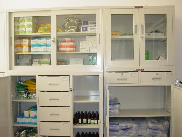 Supply cabinet with medicines supplied by Rotary part 2