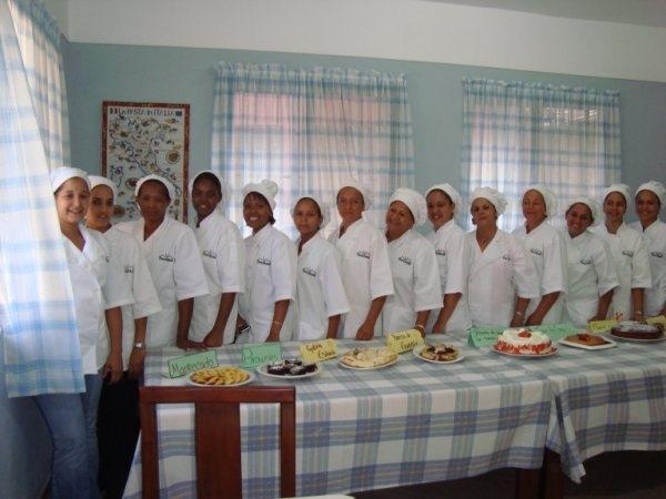 beneficiarias de curso repostera jarabacoa.jpg