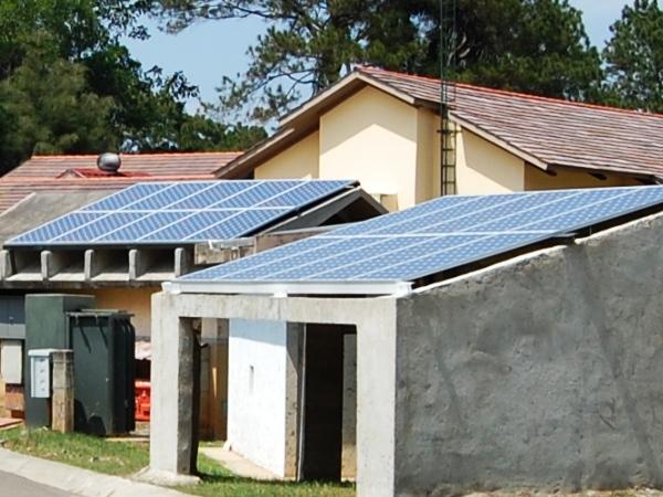 construction solar pannels 2.jpg