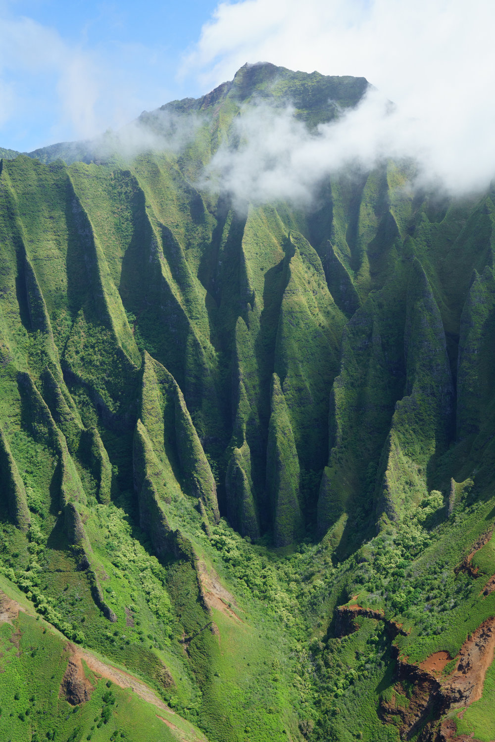 Cathedral Cliffs of Na Pali Coast | Never Settle Travel
