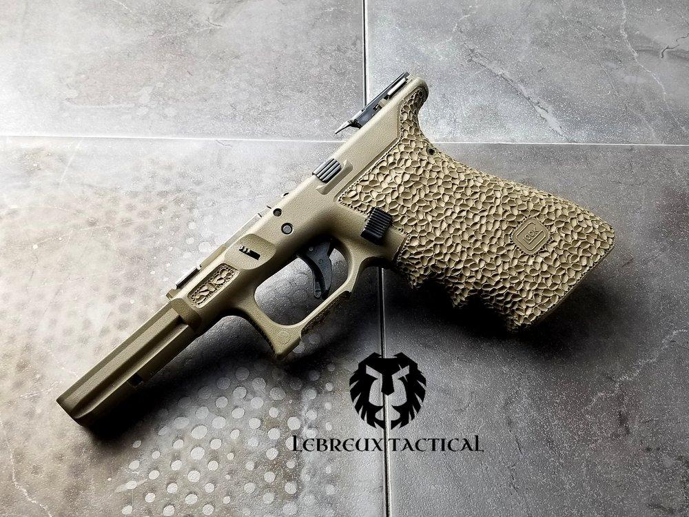 LT Glock 17 stippling.jpg