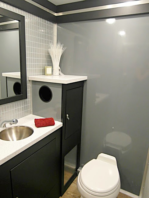 Men's-Sink.jpg