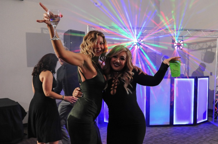 DANCING11.jpg