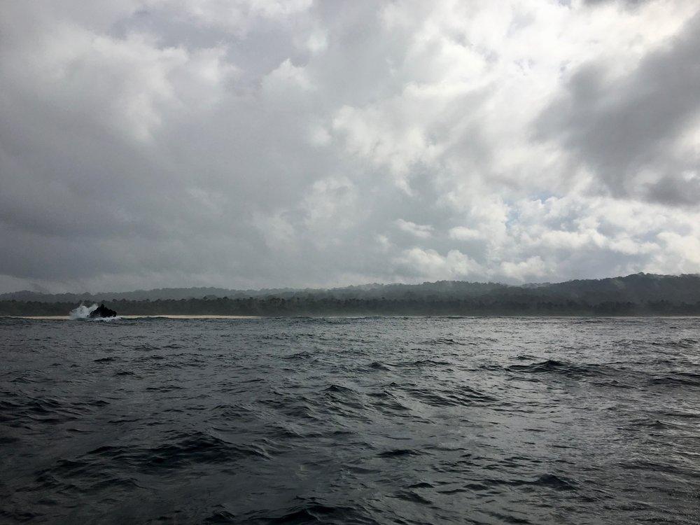 Vom Meer aus wirkt es immer wilder...