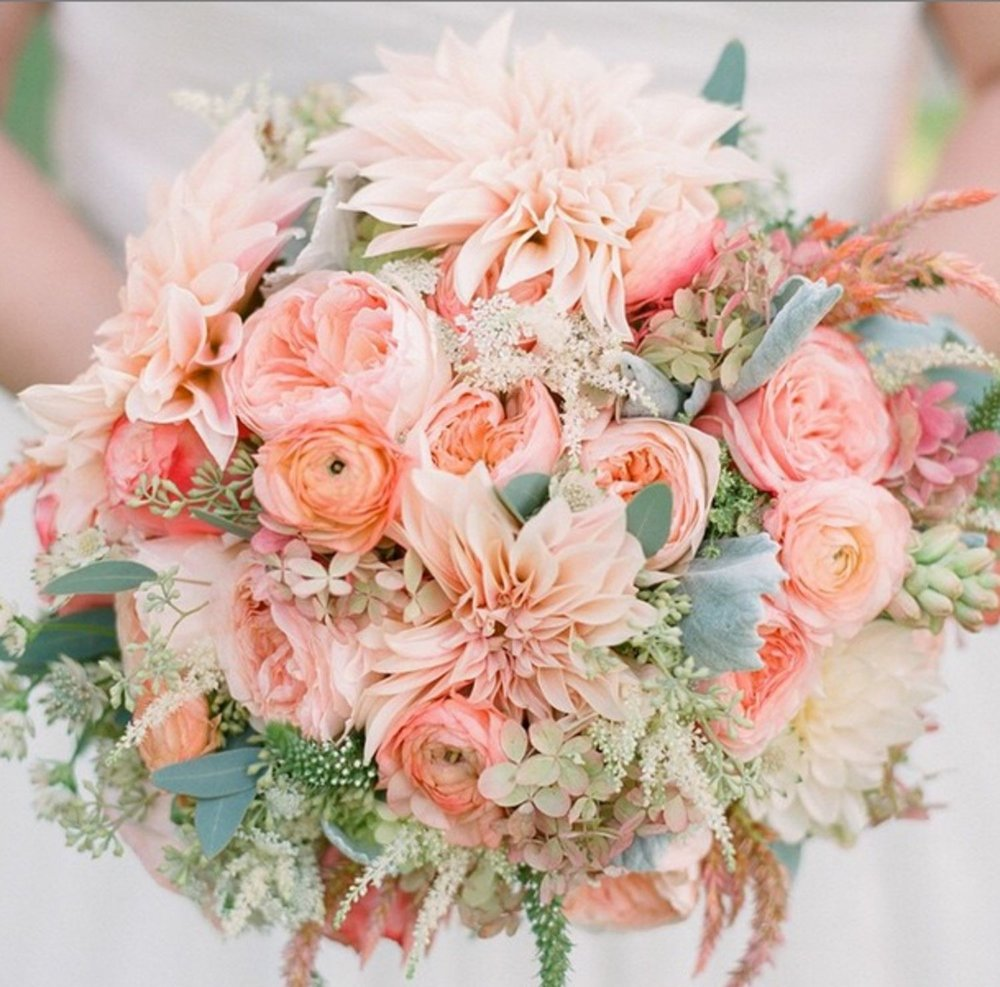 0000000000000000000000000000best-wedding-flowers-13-gorgeous-bridal-bouquets-in-every-color.jpg