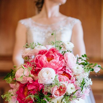 000000000000000002016_bridescom-Editorial_Images-05-Peony-Wedding-Bouquets-large-02-Peony-Bouquet-Refresh-Annie-McElwain.jpg