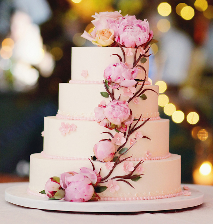 wedding-cakes-20-ways-to-decorate-with-fresh-flowers-inside-wedding-cakes-with-flowers.jpg
