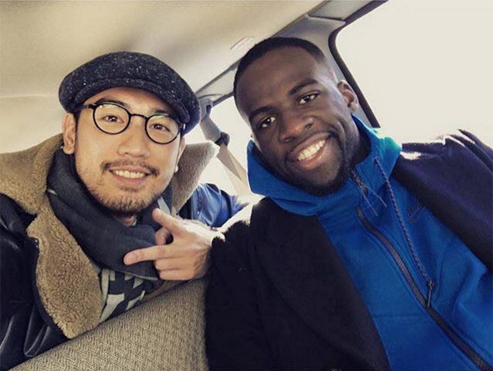 恭喜Quinci Wang  参赛作品被高以翔选为NBA全明星赛採訪服.高以翔穿着  Quinci Wang的设计访问NBA全明星赛球星Draymond  Green. Congratulations!!