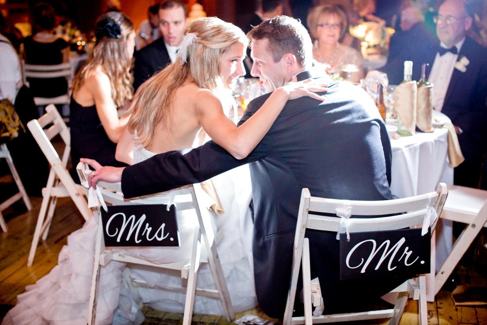 078_CarlyGaebe_SteadfastStudio_WeddingPhotography_NewYorkCity_LongIslandCity_MetropolitanBuilding_Winter_Romantic_Bride_Groom_MrMrs_Reception_Vintage_Warehouse.jpg