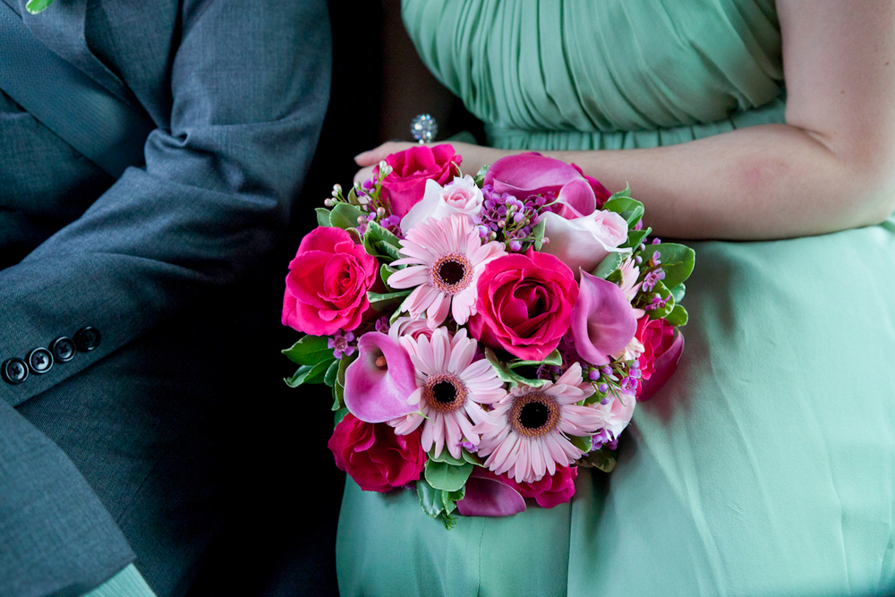 117_CarlyGaebe_SteadfastStudio_WeddingPhotography_NewYorkCity_CentralPark_ConservatoryGarden_ColorfulDress_Bouquet_Colorful_Pinks_Reds.jpg