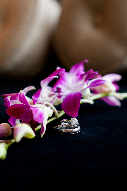139_CarlyGaebe_SteadfastStudio_WeddingPhotography_NewYorkCity_MandarinOrientalHotel_Ring_Orchid_Diamond.jpg