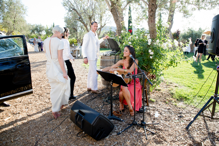 33__CarlyGaebe_SteadfastStudio_WeddingPhotography_Malibu_LosAngeles_LA_California_Winery_Hilltop_CieloFarms_Vineyard.jpg