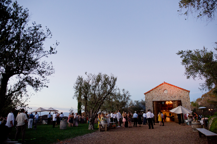 64__CarlyGaebe_SteadfastStudio_WeddingPhotography_Malibu_LosAngeles_LA_California_Winery_Hilltop_CieloFarms_Vineyard.jpg