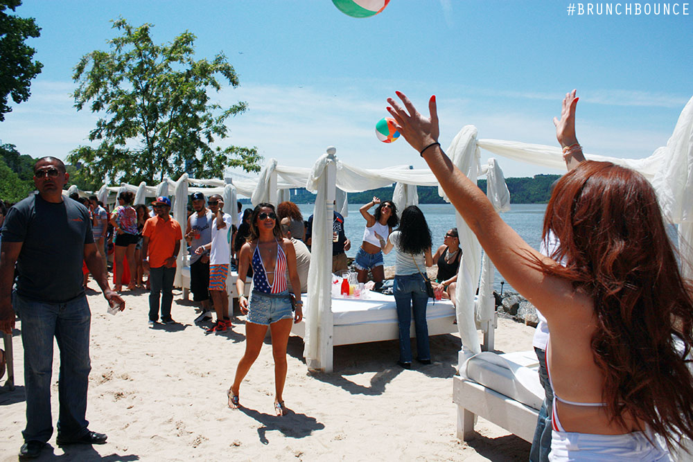 brunch-bounce-beach-party--la-marina-52713_8882279009_o.jpg