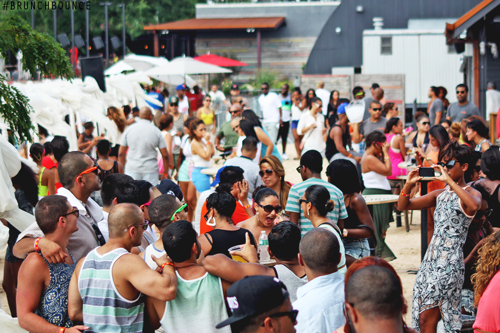 brunch-bounce-at-la-marina-72013_9490473882_o.png