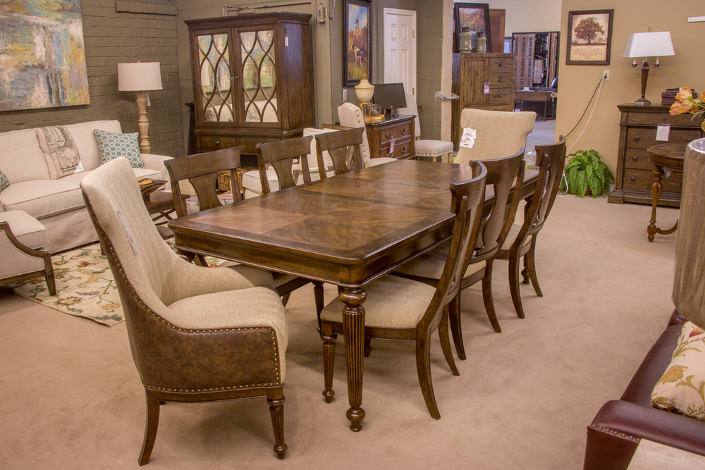 Legacy Dining Room Suite