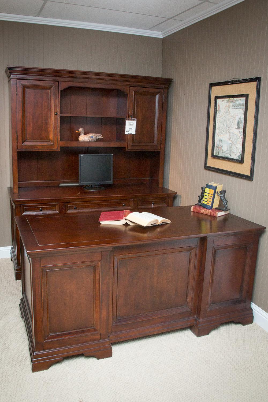 Wynwood Office Set