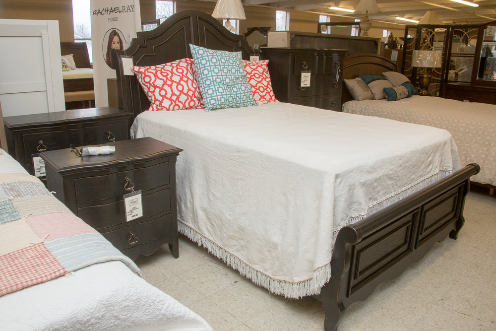 New Classic Bedroom Bed and Night Stand