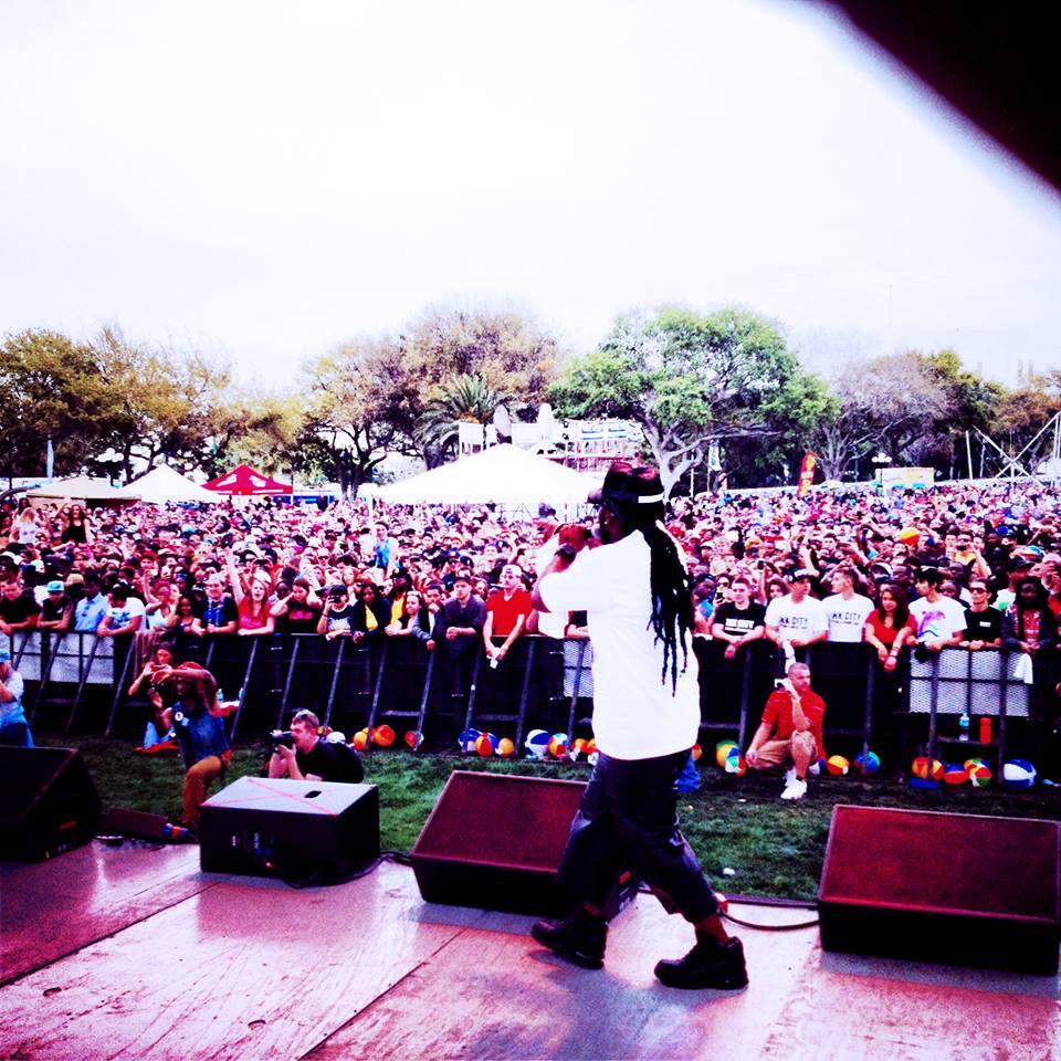 Carlos Performing Live 2013.jpg
