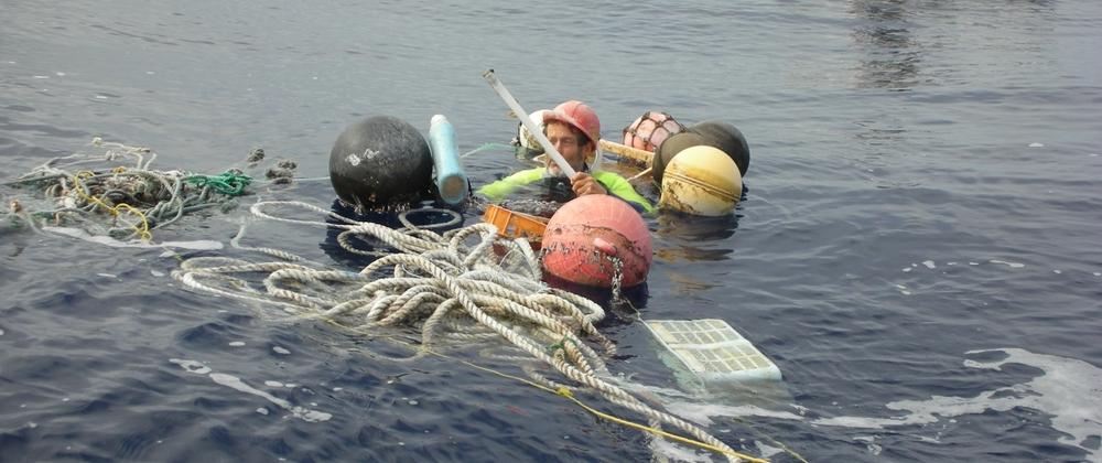 2008_north_pacific_gyre_charlie_sea_debris_hi_res (5).jpg